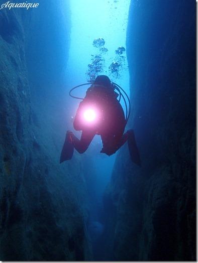 サメ穴-1